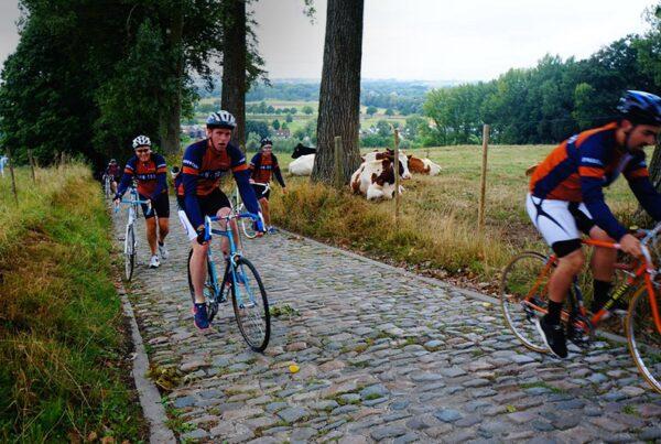 Retrofietsbeleving Johan Museeuw fietsen Vlaamse Ardennen Ronde Teambuilding