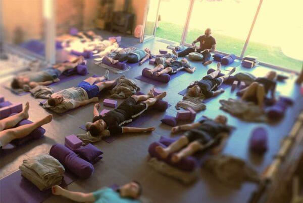 uitgelichte afbeelding easy yoga