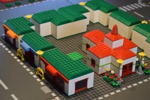 1001-Brick City-01