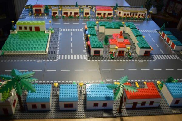 1001-Brick City-04