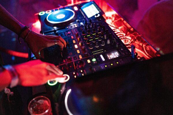 met live 'DJ-set'