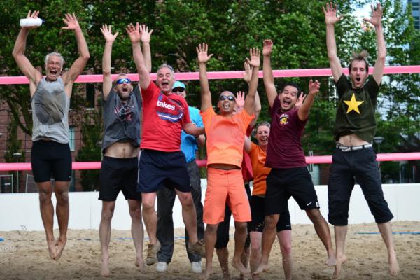 Beachsports-foto-1-bresactiviteiten.nl_