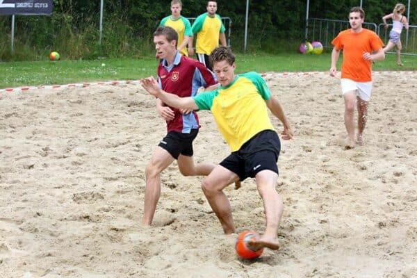 Beachsports-foto-2-bresactiviteiten.nl_