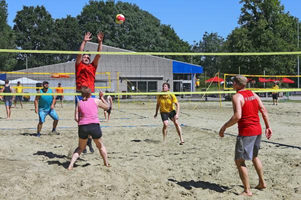 Beachsports-foto-3-bresactiviteiten.nl_