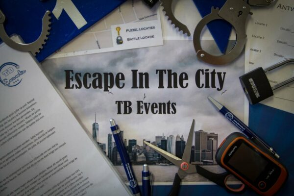 thumbnail_escape in the city