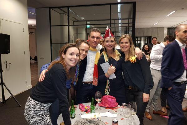 carnavalquiz-bedrijfsuitje-teamuitje-www.bedrijfsuitjequiz.nl