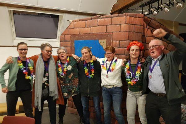 sinterklaas-quiz-teamuitje-grote-groepen-teambuilding-eigen-locatie-www.bedrijfsuitjequiz.nl